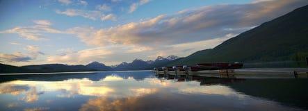 Sonnenuntergang auf den Docks stockbild