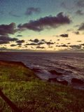 Sonnenuntergang auf den Klippen Lizenzfreie Stockbilder