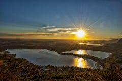 Sonnenuntergang auf den Seen Stockfotografie