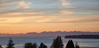 Sonnenuntergang auf der Grenze Stockbild