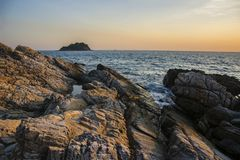 Sonnenuntergang auf der Küste Lizenzfreie Stockfotografie