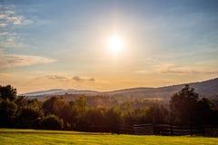 Sonnenuntergang auf der Landschaft lizenzfreies stockfoto