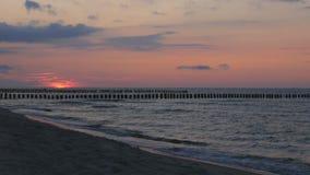 Sonnenuntergang auf der Ostsee stock footage