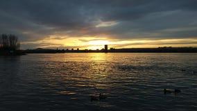 Sonnenuntergang auf der Ufergegend Lizenzfreies Stockbild