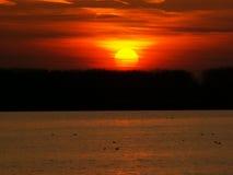 Sonnenuntergang auf Donau lizenzfreie stockfotografie