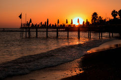 Sonnenuntergang auf einem türkischen Strand Lizenzfreie Stockfotos