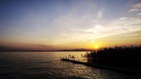 Sonnenuntergang auf Garda See stock video