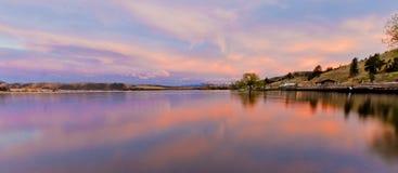 Sonnenuntergang auf Hauser See lizenzfreie stockbilder