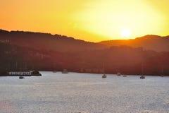 Sonnenuntergang auf karibischer Insel Stockbilder