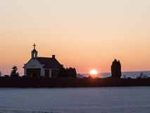 Sonnenuntergang auf Kirchhof Lizenzfreies Stockbild