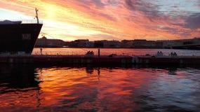 Sonnenuntergang auf neva Fluss Stockbild