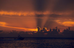 Sonnenuntergang auf Ozean in Bayahibe Dominikanischer Republik Stockbilder
