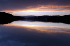 Sonnenuntergang auf See Stockfoto