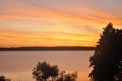 Sonnenuntergang auf See Lizenzfreies Stockbild