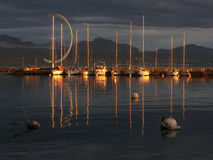 Sonnenuntergang auf See Genf, CH Lizenzfreie Stockfotografie