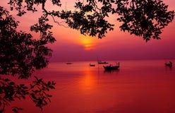 Sonnenuntergang auf Strand Lizenzfreie Stockbilder