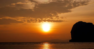 Sonnenuntergang auf Strand Lizenzfreies Stockbild