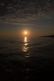 Sonnenuntergang am Badeort von Adler/von Sochi am Sommer Lizenzfreie Stockbilder