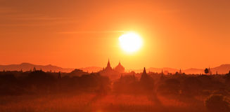 Sonnenuntergang in Bagan Stockbilder