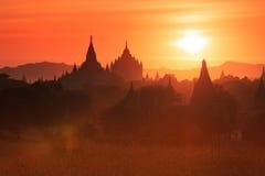 Sonnenuntergang in Bagan lizenzfreies stockfoto