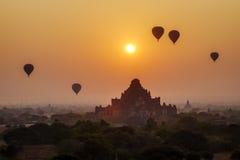 Sonnenuntergang in Bagan, Myanmar Lizenzfreie Stockfotografie