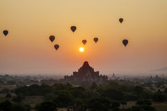 Sonnenuntergang in Bagan, Myanmar Lizenzfreie Stockbilder