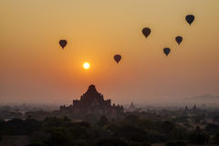 Sonnenuntergang in Bagan, Myanmar Lizenzfreie Stockfotos