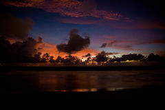 Sonnenuntergang in Bali, Indonesien Stockbilder