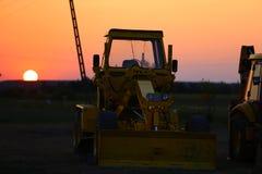 Sonnenuntergang am Bauernhof stockfoto
