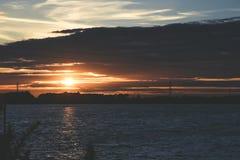 Sonnenuntergang bei Chasewater, Staffordshire Lizenzfreie Stockfotos