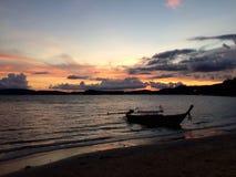 Sonnenuntergang bei Krabi Thailand Lizenzfreies Stockbild