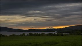 Sonnenuntergang bei Loch Lomond - Schottland stockfoto