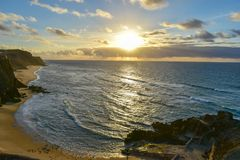 Sonnenuntergang bei Santa Cruz - Portugal Lizenzfreie Stockfotos