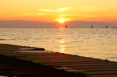 Sonnenuntergang bei WestKirby lizenzfreie stockbilder