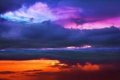 Sonnenuntergang über den Wolken Stockfotografie