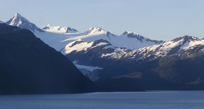 Sonnenuntergang-Berge in Alaska Lizenzfreie Stockfotos