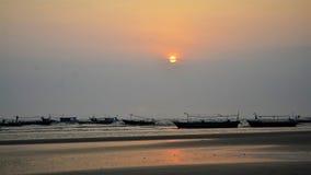 Sonnenuntergang-Boot 01 stockfotos