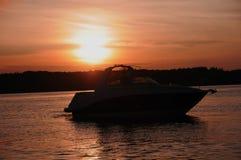 Sonnenuntergang-Bootfahrt in Kentucky Lizenzfreies Stockbild