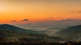 Sonnenuntergang am countyside Lizenzfreie Stockbilder
