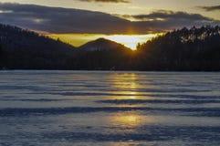 Sonnenuntergang, Crane Pond, Adirondack Forest Preserve, New York stockfotografie