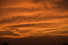 Sonnenuntergang, da es einige Male auf Feuer ist Lizenzfreie Stockbilder