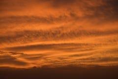 Sonnenuntergang, da es einige Male auf Feuer ist Stockfotos
