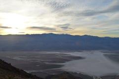 Sonnenuntergang an Dante-` s Ansicht in Death Valley Kalifornien lizenzfreie stockfotos