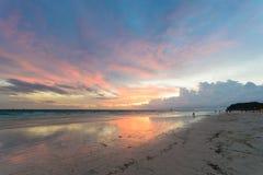 Sonnenuntergang in dem Meer Stockbilder