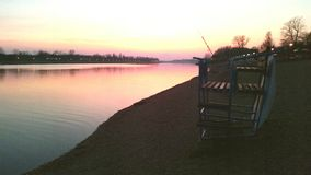 Sonnenuntergang in dem See Lizenzfreie Stockfotografie
