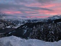 Sonnenuntergang in den Alpen stockfotografie