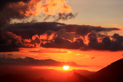 Sonnenuntergang in den Bergen nähern sich Antequera, Andalusien lizenzfreies stockbild