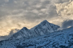 Sonnenuntergang in den Bergen - Schönheit der Natur Lizenzfreie Stockfotografie