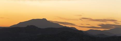 Sonnenuntergang in den Bergen von Elche Lizenzfreie Stockfotos