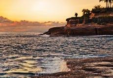 Sonnenuntergang an den Felsen Stockfoto